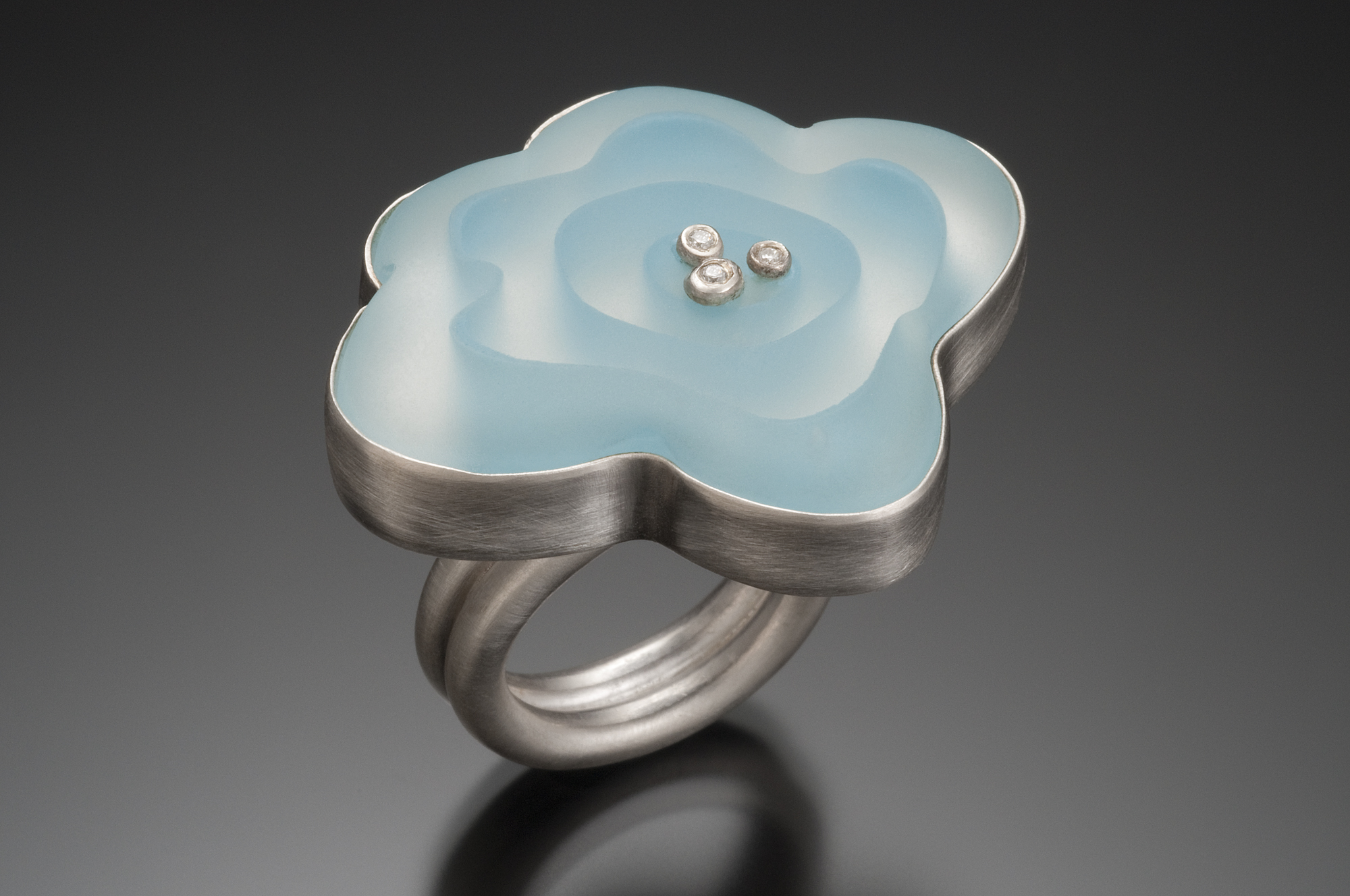 Frosted Flower Ring Roessler Glass